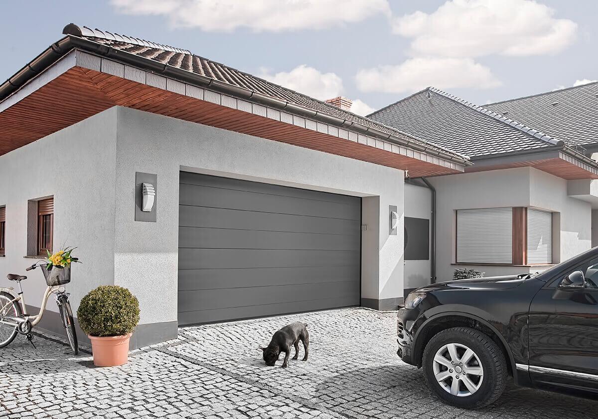 установка гаражных секционных ворот